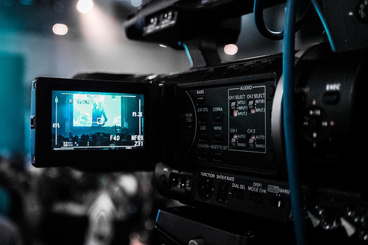 Badkamra - Video Camera In Action
